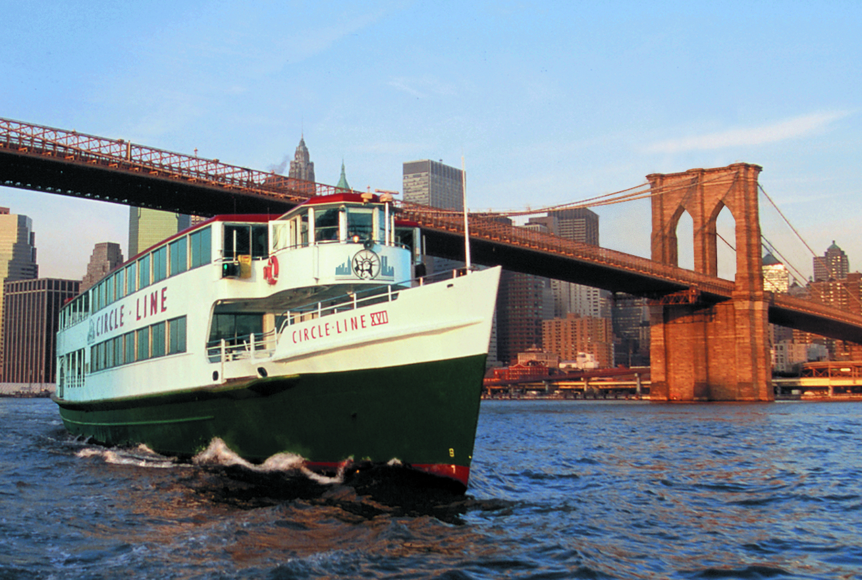circle-line-xvii-with-brooklyn-bridge